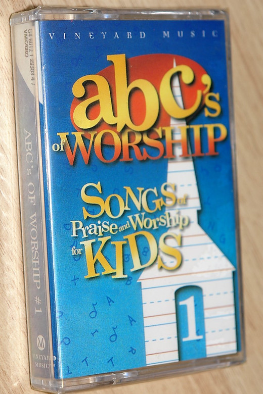 Abc's of Worship #1 / Songs of Praise and Worship for Kids / Vineyard Music - Audio Cassette / VMC9303