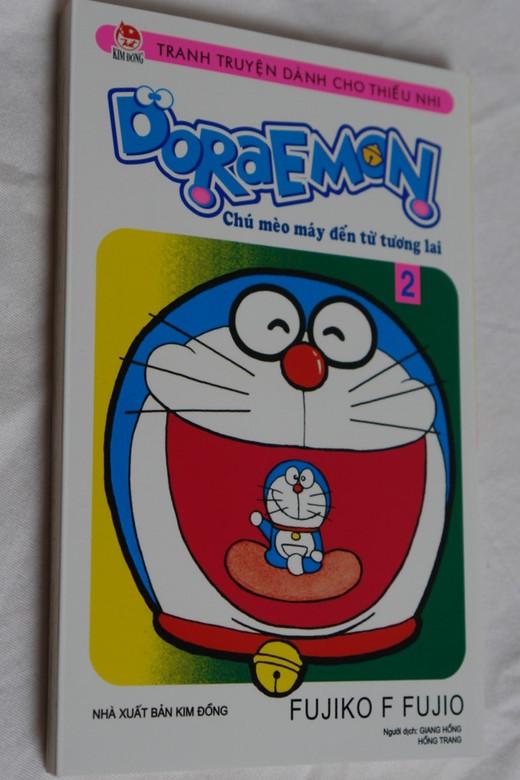 Doraemon vol. 2 by Fujiko F. Fujio / Vietnamese language comic book - Manga / Chú mèo máy đến từ tương lai - Tập 2 / Paperback 2015 / ドラえもん (9786042042352 )