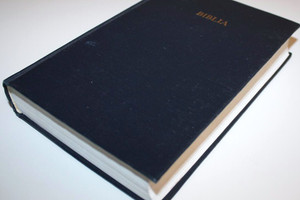 Blue Slovak Language Bible Size 53 UBS 1992 Print [Hardcover] by Bible Society