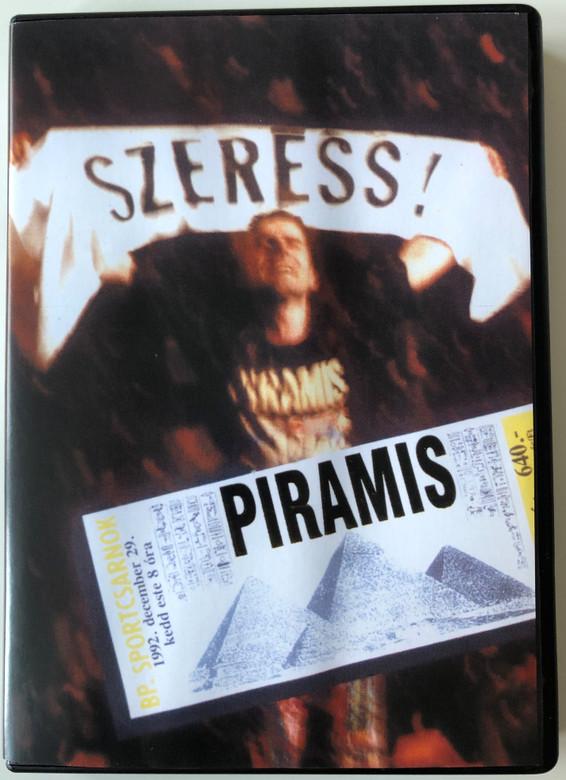 """Piramis - Szeress DVD Budapest Sportcsarnok 1992. december 29. / Producer: Rózsa István / Révész Sándor, Som Lajos, Gallai Péter, Závodi János, Köves Miklós """"Pinyó"""" / Magneoton - Warner Music Hungary (5050467280526)"""