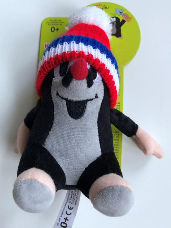 Krtek - Little Mole 14 cm sitting, with tricolor hat / Krteček sedíci, kulich ć-trik / Maulwurf sitz. Mütze rot / Ülő Kisvakond sapkával - 3 színű / Ages 0+ / 49916J (8590121505086)