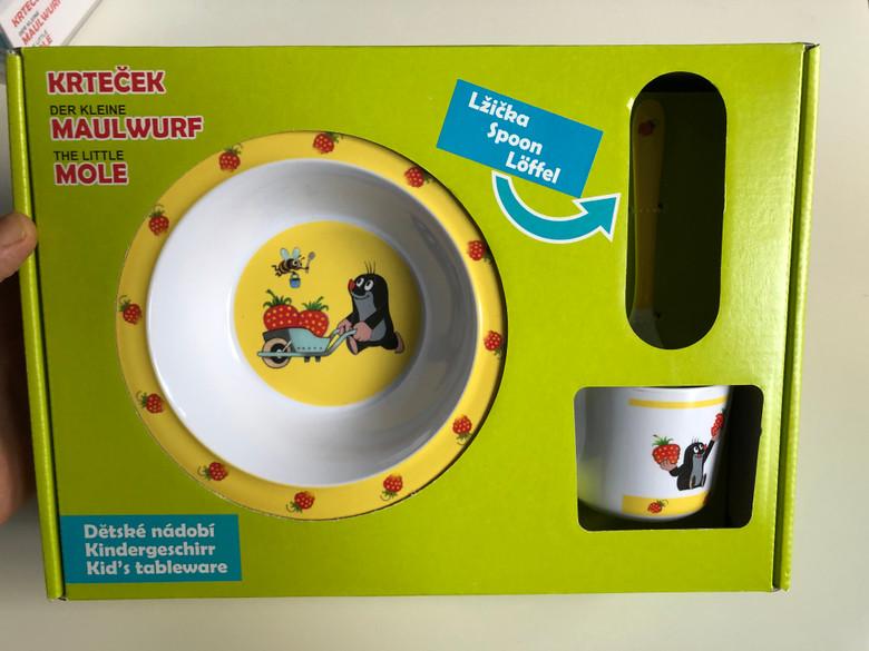 Krtek - Little Mole Kid's tableware 4 pcs, strawberry with spoon - Krteček Dětské nádobí -Lžička / Der Kleine Maulwurf - Kindergeschirr / Kisvakond gyerek étkészlet 4 részes kanállal / 68701S / Sada nádobi 4d. Krtek (8590121502276)