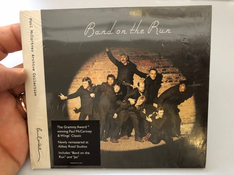 Band On The Run / Paul McCartney Archive Collection / The Grammy Award winning Paul McCartney & Wings' Classic / Newly remastered at Abbey Road Studios. Includes ''Band on the Run'' and ''Jet'' / MPL Audio CD 2010 / HRM-32148-02
