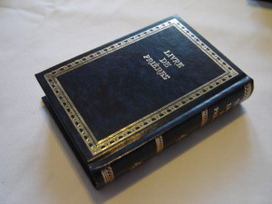 Livre De Prieres / Prieres Journalieres A L'usage du Rite Sefardi / Siddur Avodat Israel with French Translation / Bilingual Hebrew-French Prayer Book