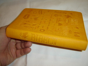 Swedish Bible Orange Cover Youth / Bibeln Konfirmandutgåva / Bibel 2000