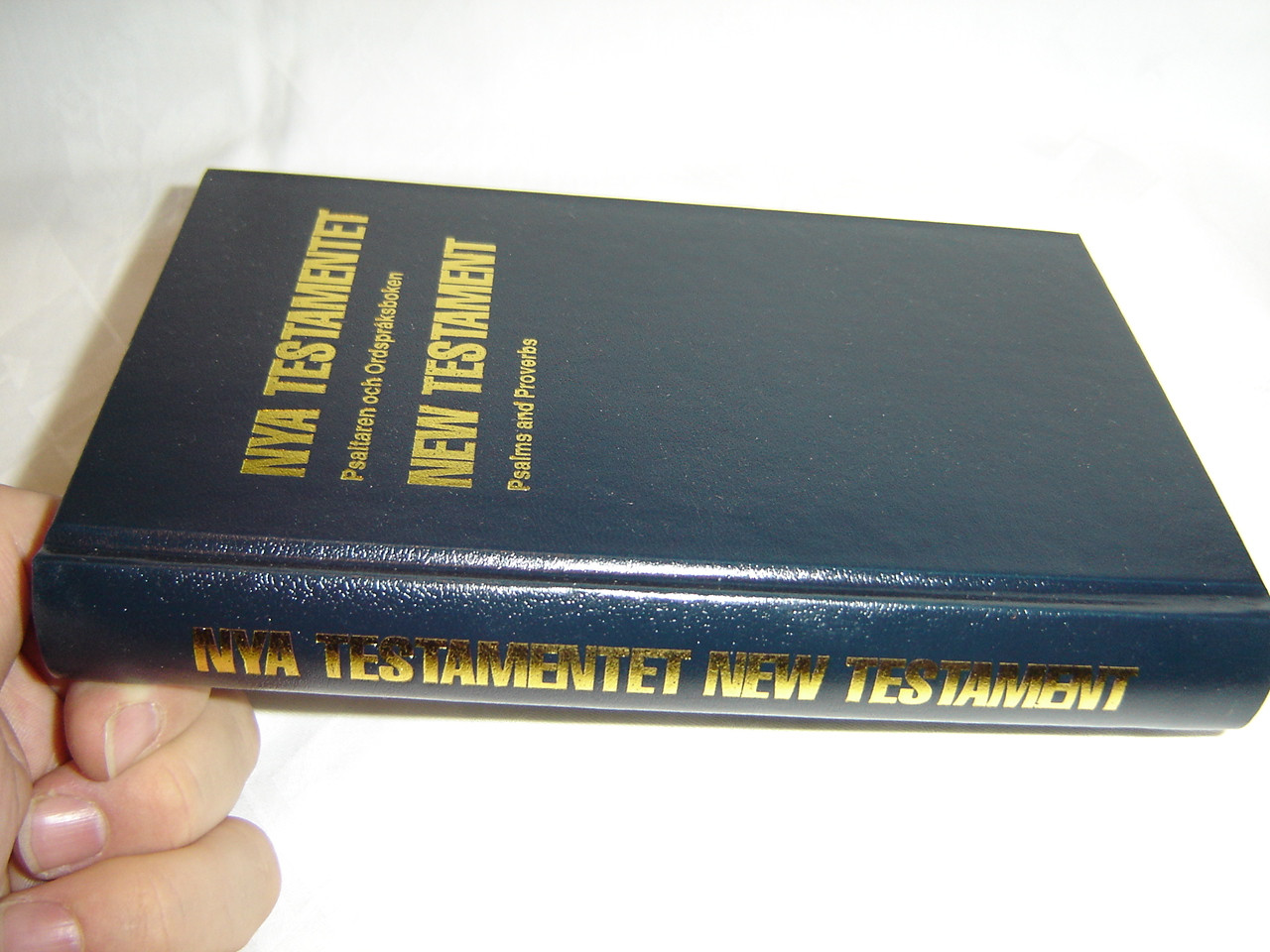 Swedish - English NKJV Bilingual New Testament with Psalms and Proverbs /  Words of Christ in Red