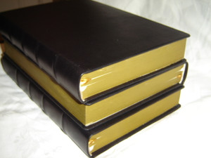 Hungarian Bible in Black Genuine Leather Binding with Golden Edges / Nagycsaldi Meretu Szent Biblia / Magyar Szent Iras / Karoli Gaspar / Large Size