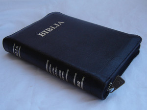 Compact Size Romanian Bible Featuring the Words of Christ in Red
