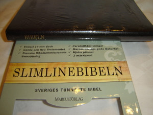 Slim Line Swedish Bible with Apocrypha / Slimline Bibeln Svart / Black Leather Bound with Golden Edges