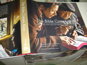 The Bible Comes Alive / Window into the Christian Church in China / Breathtaking Documentary Photo Book on the History of Bibles In China