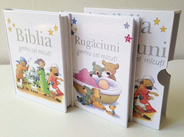 Biblia & Rugăciuni pentru cei micuti by Sarag Toulmin / Romanian Translation of Baby Bible and Baby Prayers (Lion Hudson) / Comes in a Protective box / Baby Bible For Children Between 1 - 3 Years / Illustrations by Kristina Stephenson / Hardcover (9786068282213)