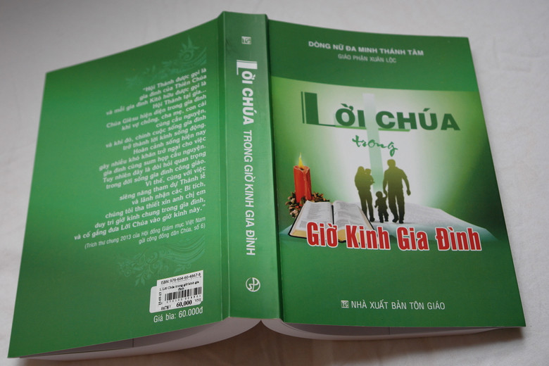 Lời Chúa trong giờ kinh gia đình    The Word of God for Vietnamese Catholic Families