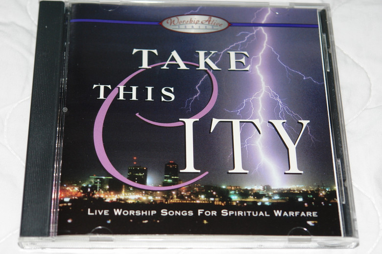 Take This City / Live Worship Songs For Spiritual Warfare / Worship Leaders: Tom McCain, Guy Penrod, Lindell Cooley / Singers: Russell Mauldin, Mike Mellet, Lisa Glasgow, Stephanie Hall, Sara Huffman