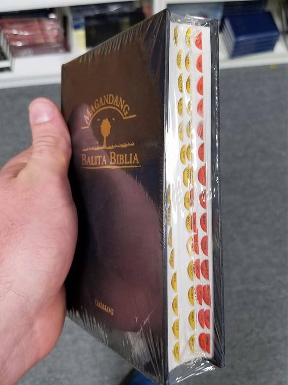Tagalog Popular Version Bible with Thumb Index / The Magandang Balita Biblia / Travel Edition TPV Philippines