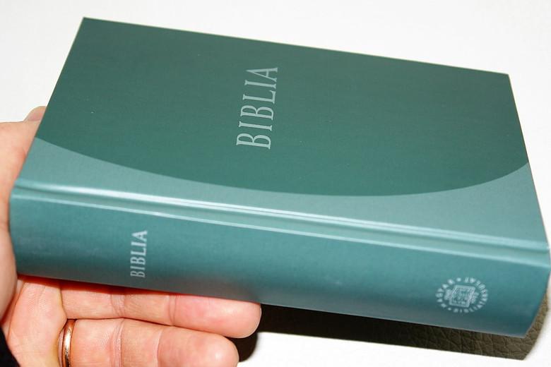 Hungarian Protestant Bible / Biblia, középméretű, keménytáblás / Revideált új fordítás (RÚF 2014) Zöld színben / Hardcover Size B/6 (9789635582419)