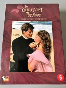 The Thorn Birds  3 DVD Collector's Set Region 2 PAL / Les oiseaux se cachent pour mourir (série télévisée) / Directed by Daryl Duke / Starring: Richard Chamberlain, Rachel Ward, Barbara Stanwyck