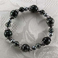 Black Crackled Glass/Gray Glass Pearls Stretch Bracelet