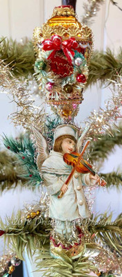 Angel Playing Violin on Decorated Glass Lamp-Post Clip-On Ornament