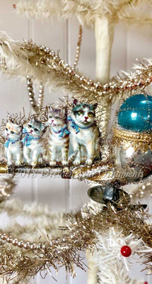 Four Kitty-Cats Sitting on Silver and Blue Clip-on Bubble Pipe Ornament