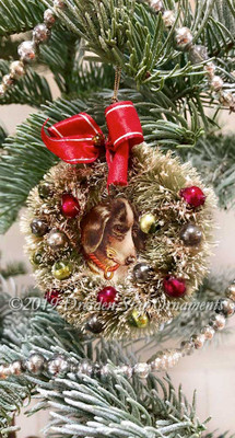 Beagle Puppy Dog in Midcentury Bottlebrush Wreath with Original Old-stock Bow