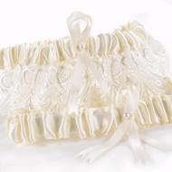 Timeless Treasure Garter Set in Ivory