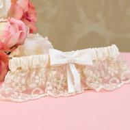 """""""Vintage Charm"""" Ivory Garter"""