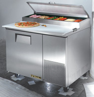 "Pizza Prep, 33-41°F pan rail, stainless steel cover, 19.5""D cutting board, stainless steel front, top & sides, (1) door, (2) adjustable wire shelves, includes (6) 1/3 size clear polycarbonate insert pans (top), aluminum interior with stainless steel floor, 5"" castors, front breathing, 1/3 HP, 115v/60/1, 8.6 amps, NEMA 5-15P, UL EPH Classified, cULus, CE, MADE IN USA"