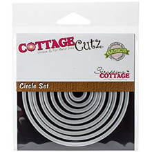 """CottageCutz Dies-Snowglobe With Fawn 2.1/"""" To 2.8/"""""""