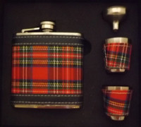 Royal Stewart 8 oz Hip Flask Set