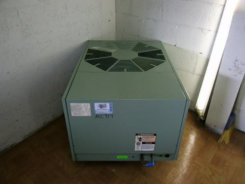 UAKA-042JAZ
