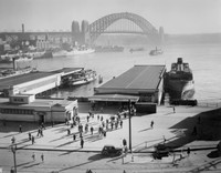 Commuters Disembark the Manly Ferry, 1946-1949