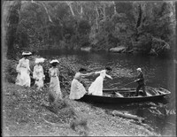Macpherson women stepping into a punt at Narrabeen Lagoon – Macpherson man in sunhat at stern.