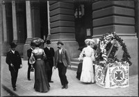 Collecting for Hospital Saturday (May 1901) Martin Place near the GPO.