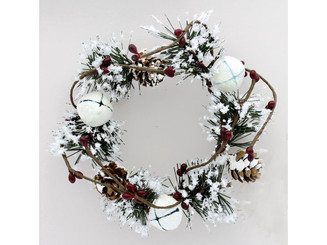 VIM936 SPC CANDLE RING SNOWY W GLIT BELLS HOLLY GRN RED