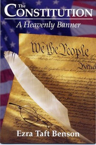 The Constitution: A Heavenly Banner (Paperback) *