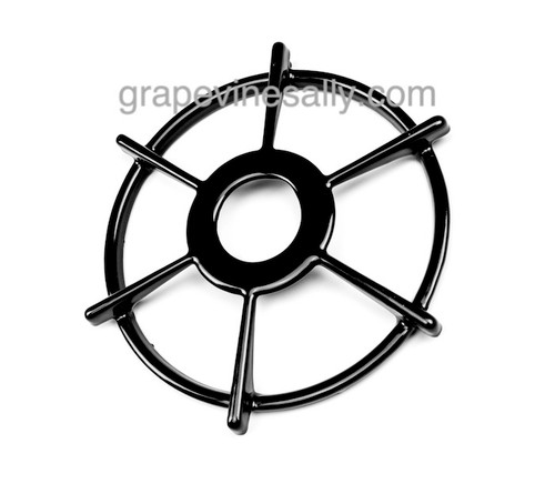 """A Very Rare Find! Original NEW PORCELAIN ENAMELED Vintage Wedgewood Holly / Western Holly Stove Top Burner Grate. A Rare Find. MEASUREMENTS: Ring Diameter 7-3/4""""  -  Outer Spoke Width 8-3/4"""" -  Inner Ring Outer Diameter 3-1/4"""""""