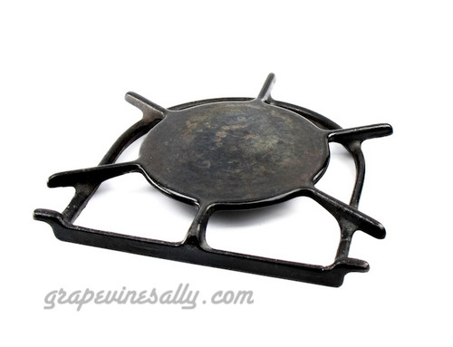 """LAST ONE! Original Vintage Wedgewood Stove Used Porcelain Enameled Stove Top Burner Grate. PLEASE NOTICE, this is a very solid used grate, however there are a few small chips on the top simmer cover. Please be certain you are OK with this detail prior to making your purchase.   MEASUREMENTS: 8.0"""" side to side of horseshoe ring - 8-1/4"""" flat to top of ring - 5.75"""" simmer/warmer plate"""
