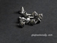 "NEW Pack of 10 - Vintage Stove Slotted Truss 1/2"" Stainless Steel Sheet Metal Style Screws - FREE SHIPPING.  These are new, they are exact replicas of the slotted Truss used in the 40's and 50's on the Wedgewood, O'Keefe & Merritt and many other vintage stove brands. These slotted truss sheet metal screws are stainless steel. They fasten a variety of panels on your stove. Working with new screws save time and add to the 'period' look of your renovation."