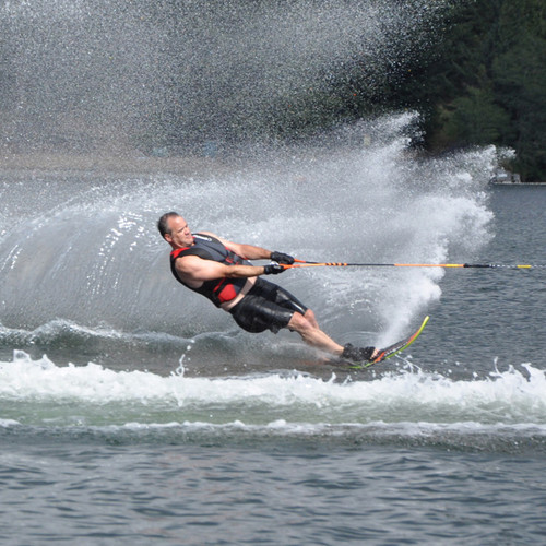 Connelly HP 70 Slalom Ski w/ Swerve Bindings Action