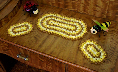 Craft Moods crochet pattern by Vicki Moodie, CMPATC103, Tri-Colour Oval Dressing Table Set in Bavarian Crochet, crocheted oval three piece set using 3 autumn tones