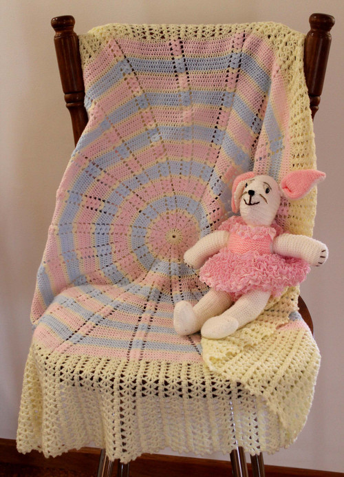Image of Craft Moods crochet pattern CMPATC110, Circular Scrap Baby Shawl (using clusters and trebles), by Vicki Moodie.