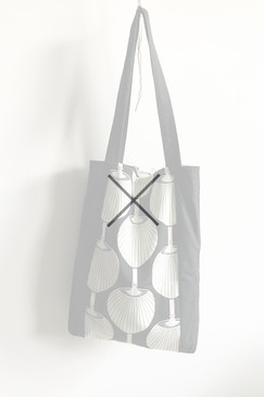 Milly S. Tote (black fan)