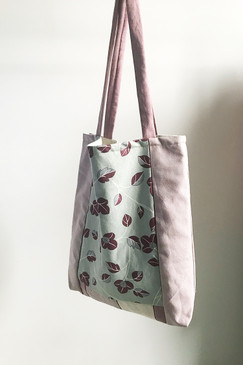 Milly S. Tote (Grape Grove)
