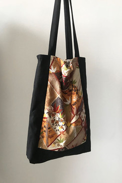 Milly S. Tote (Flame Leaf)