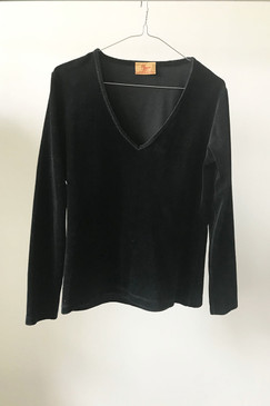 R. M. Williams Velour Top (M)
