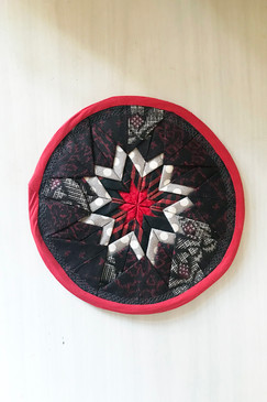 Around About Trivet (small - black/red)