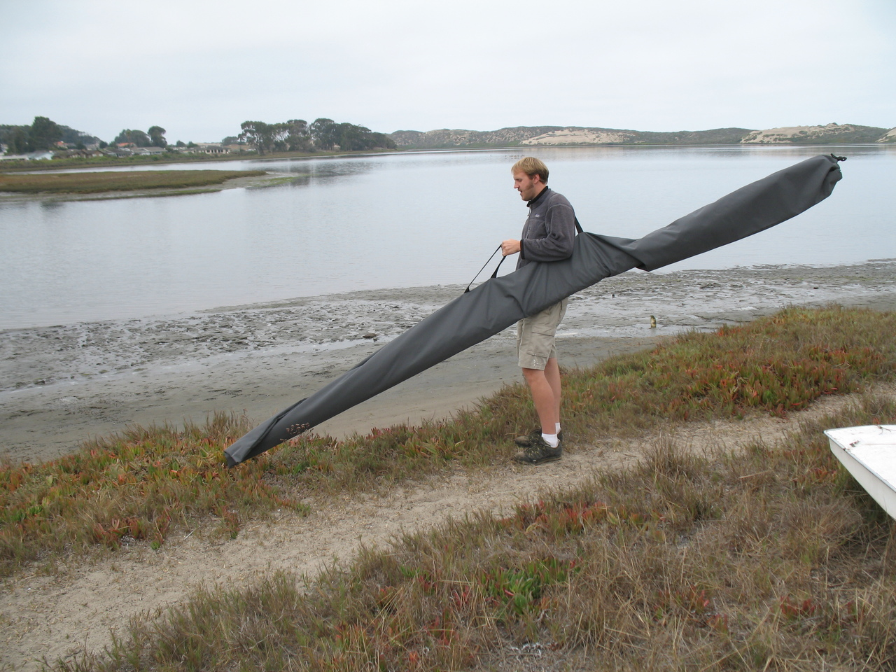 Two sewn webbing handles makes for easy carrying of your spars.
