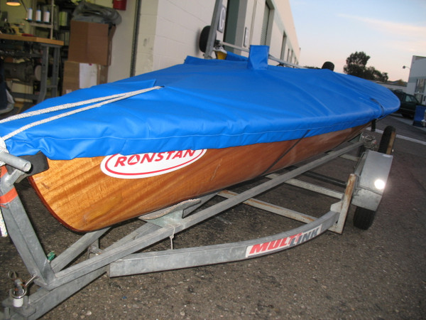 International Contender Mast Up Flat Cover by SLO Sail and Canvas