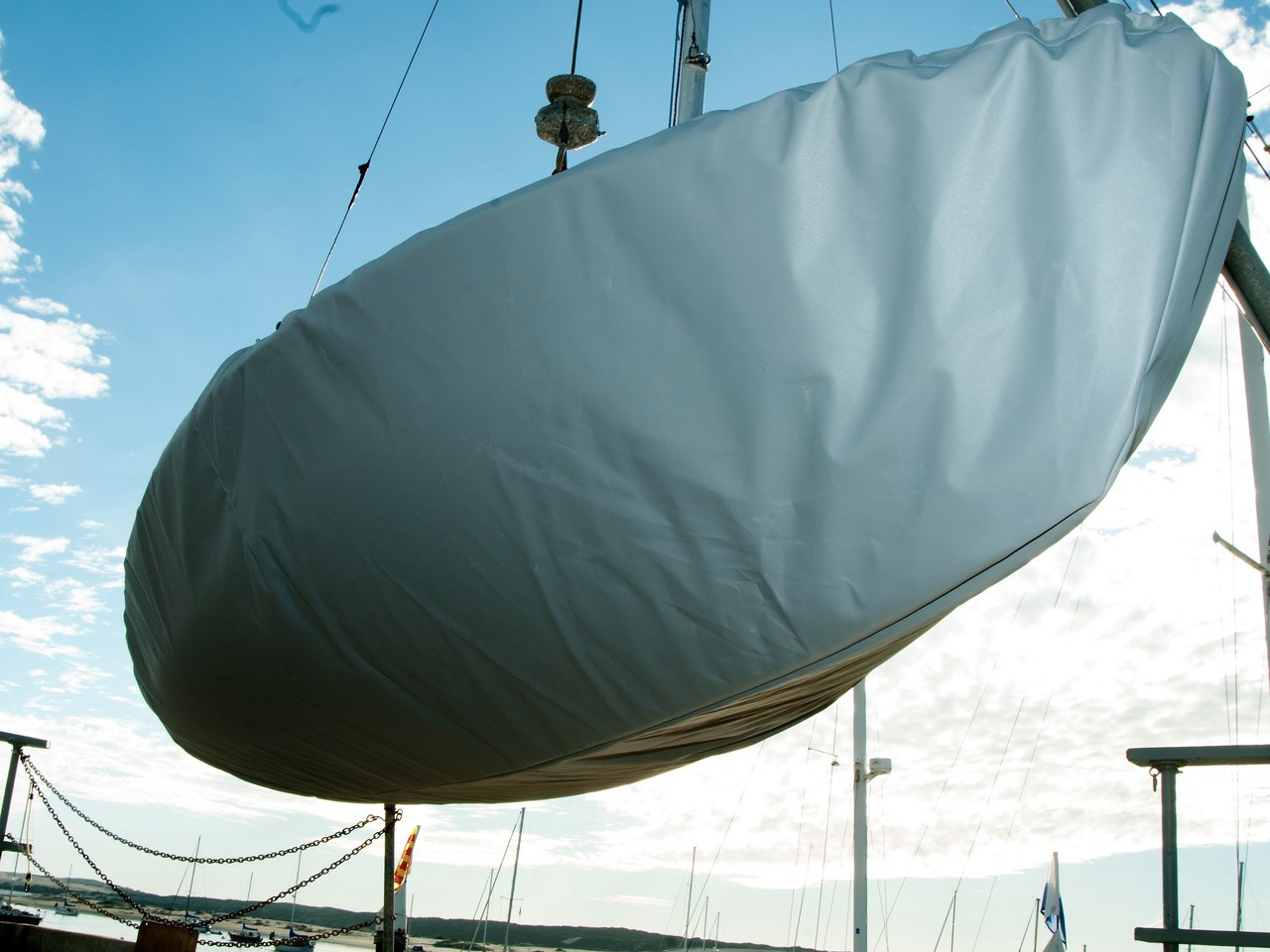 Capri Wave sailboat Hull Cover by SLO Sail and Canvas