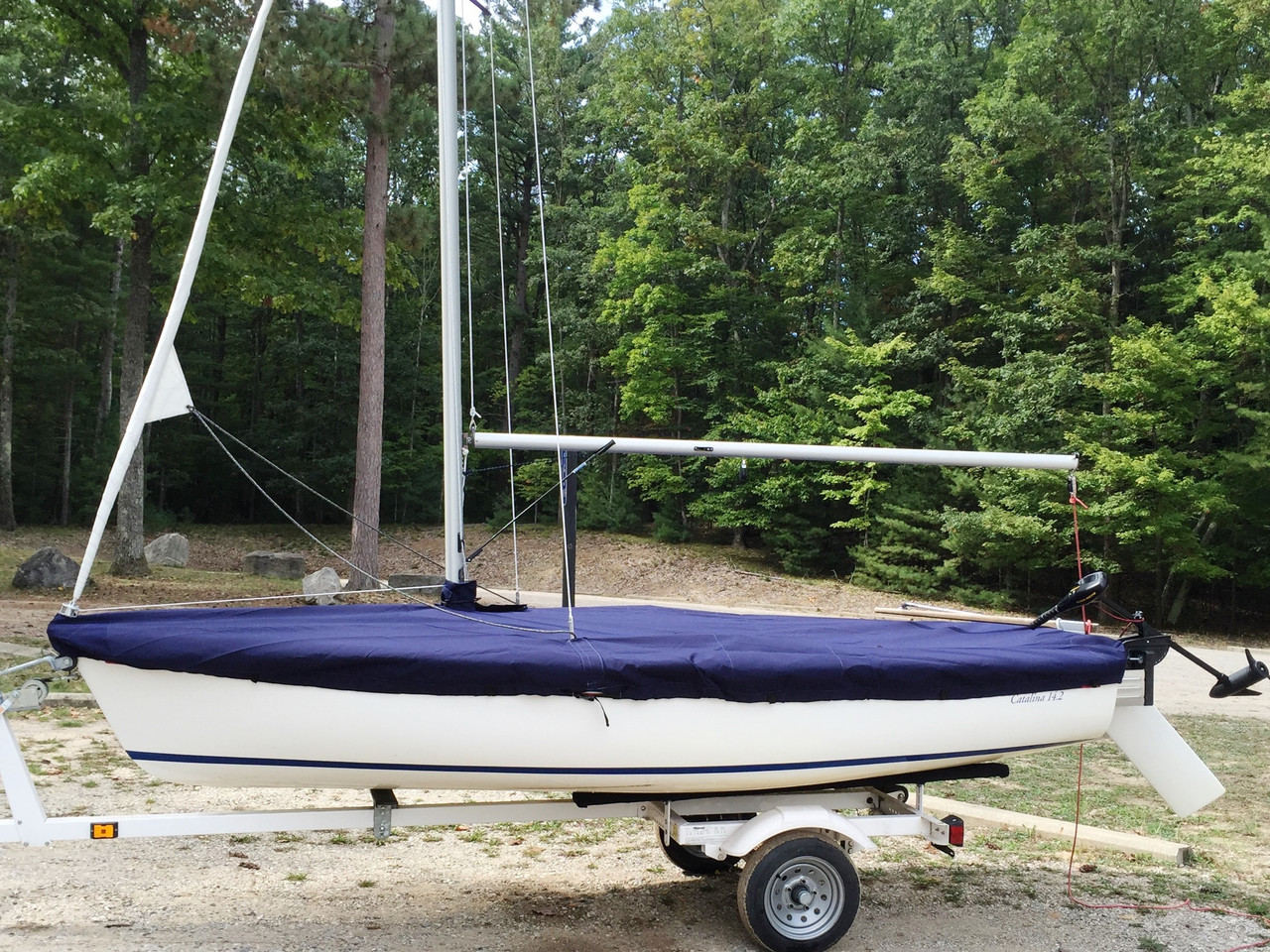 Albacore sailboat Mast Up Flat Mooring Cover by SLO Sail and Canvas